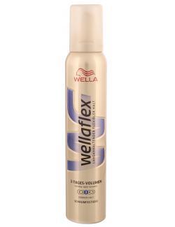 Wella Wellaflex Schaumfestiger 2-Tages-Volumen starker Halt  (200 ml) - 5410076958498